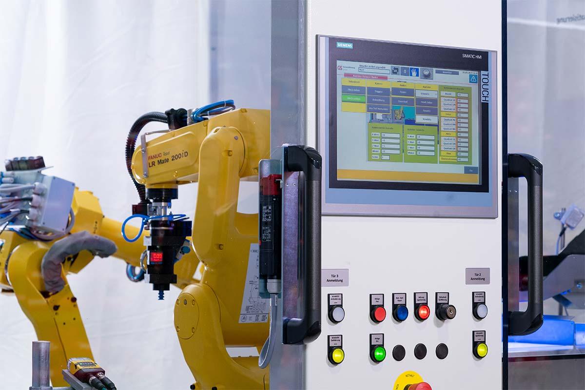 Beladeroboter und einem Bereitstellungsroboter
