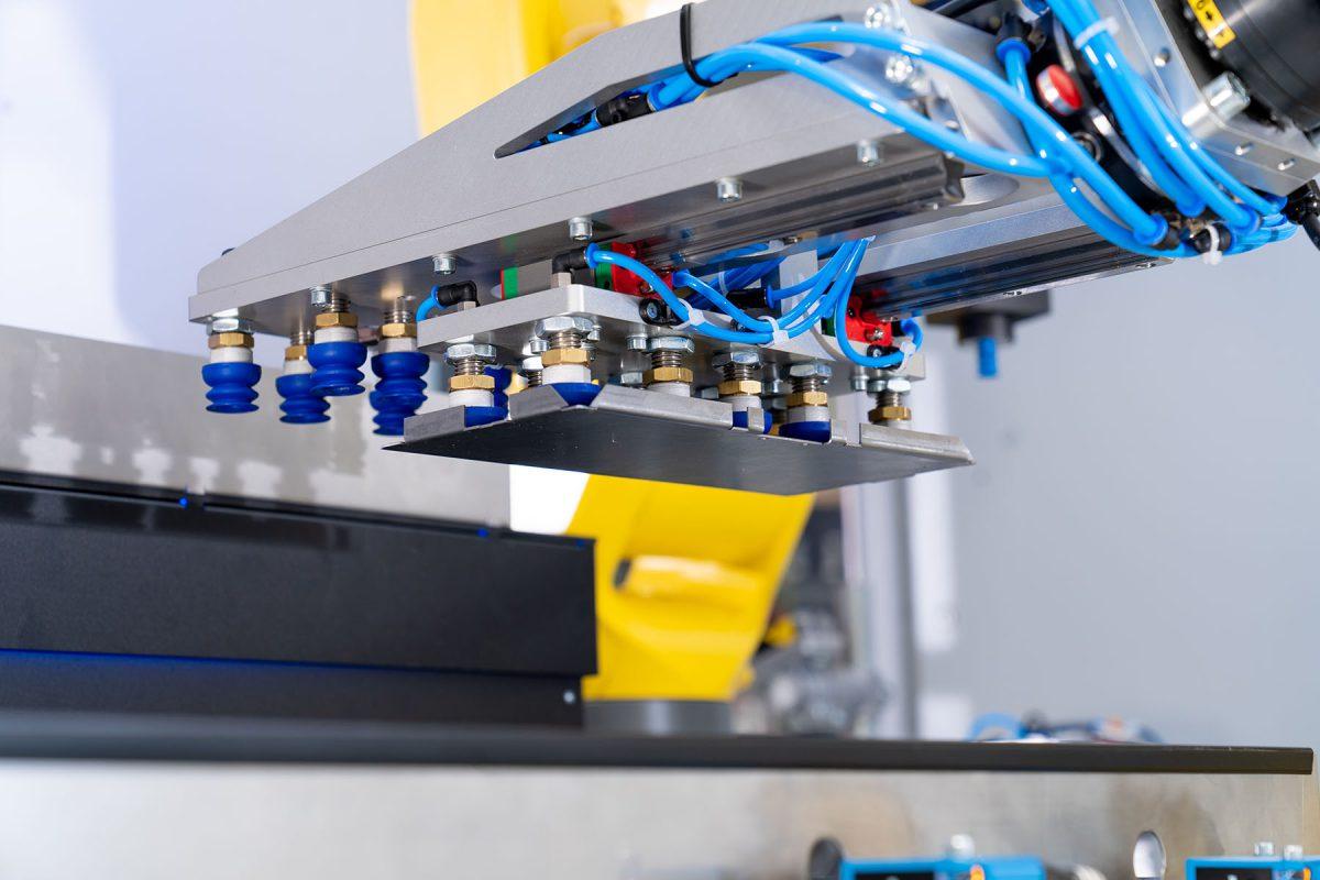 Roboter mittels Greifsystem